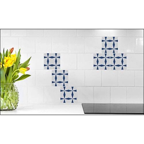 Sticker effet Carrelage Bronzolo avec fleur décorative