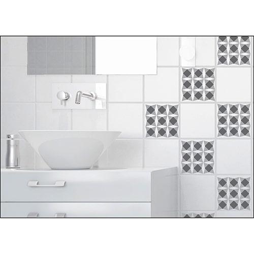 Adhésif mural imitation Carrelage Nereto dans une salle de bain