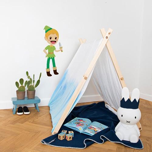 Sticker mural Peter Pan pour enfants mis en ambiance dans une chambre pour enfants