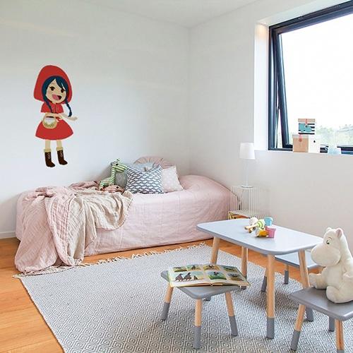 Sticker mural pour enfants Chaperon Rouge mis en ambiance dans une chambre pour enfants