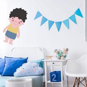 autocollant mural pour enfant petit garçon Brun aux joues roses mis en ambiance dans la déco d'une chambre pour enfants