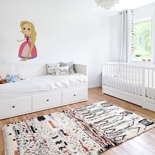Sticker mural Princesse pour enfants mis en ambiance dans la déco d'une chambre pour bébé fille
