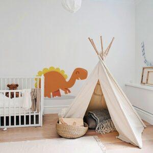 Sticker mural Dinosaure Orange et Jaune enfants mis en ambiance dans la décoration d'une chambre pour bébé