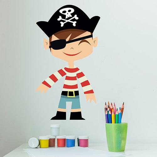 Sticker mural Garçon Pirate pour enfants mis en ambiance sur un mur clair