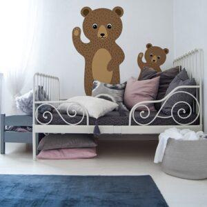 adhésif mural bébé et maman Ours Bruns pour enfants mis en ambiance sur mur blanc