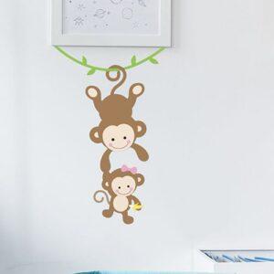 sticker deco bebe et maman singe pour enfant fille mis en ambiance sur un mur clair