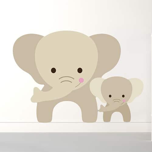 Sticker maman et bebe Éléphants pour enfants mis en ambiance sur mur clair