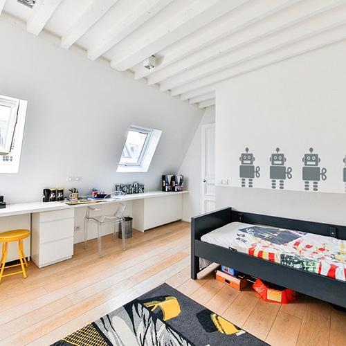 Stickers muraux Robots Gris Foncé enfants mis en ambiance sur un mur blanc pour enfants