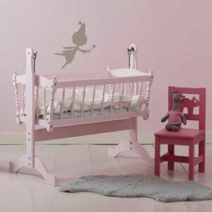 Sticker Fée couleur Taupe pour enfants sur mur rose dans une chambre de bébé