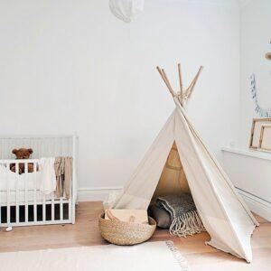 Autocollant mural animal pour enfant mis en ambiance dans une chambre pour bébé