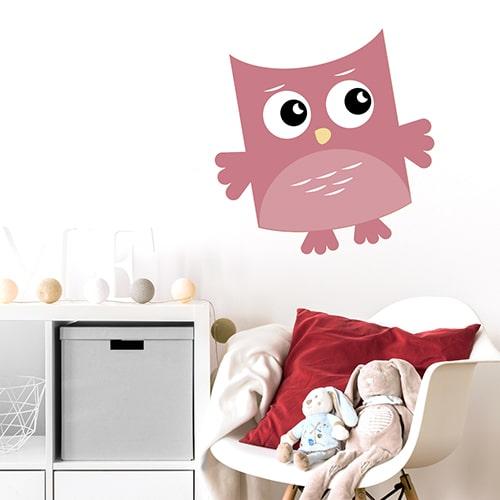 Sticker adhésif Hibou Rose pour enfants collé au mure d'une pièce à vivre