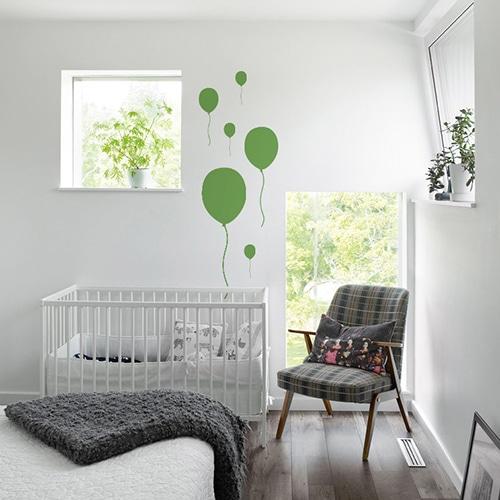 Stickers Ballon Vert enfants collés au mur d'une chambre pour bébé