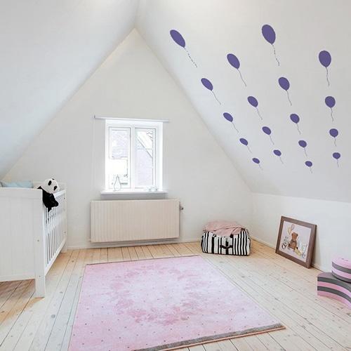 Stickers muraux ballon violet frise pour chambre d'enfants