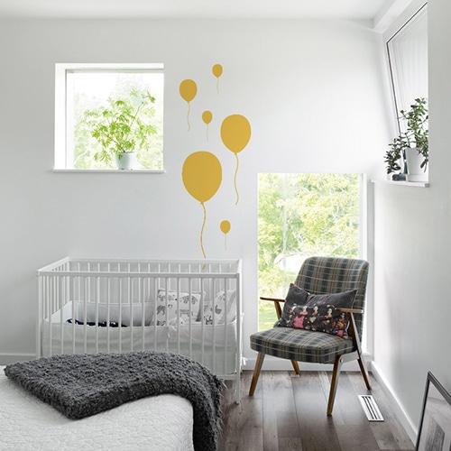 Sticker Ballon Jaune frise pour chambre d'enfants