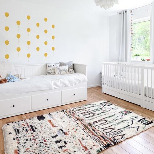 Stickers muraux ballon jaune déco pour chambre d'enfants !