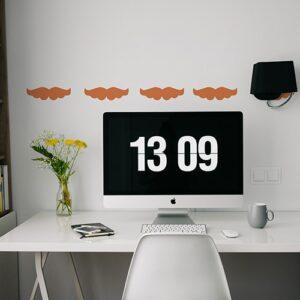 Stickers frise pour bureau moustache orange !