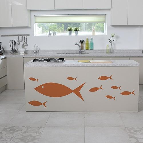 Stickers muraux poissons oranges sur meuble cuisine