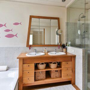 Stickers poissons roses pour enfant frises pour salle de bain