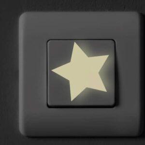 Stickers Etoiles Phosphorescentes mis sur un interrupteur