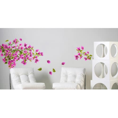 Sticker branches de bougainvillée rose au dessus de fauteuils