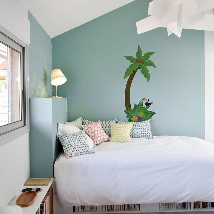 sticker palmier pour enfant sur mur de chambre