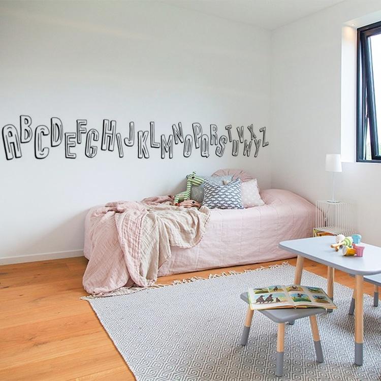 sticker mural lettres de l'alphabet disposées de manière ludique
