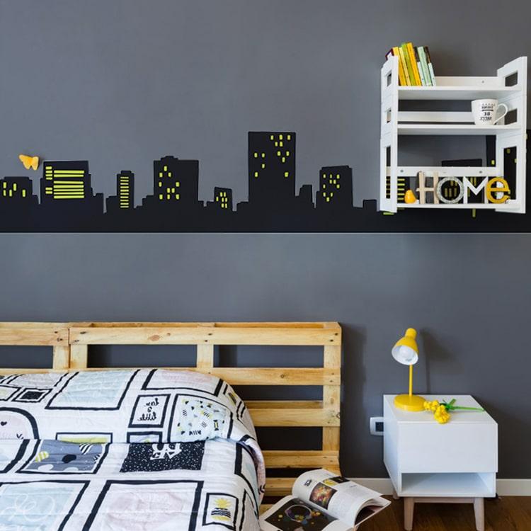 Sticker frise urbain immeuble au-dessus d'un lit