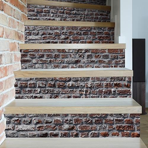 Sticker brique rouge pour décoration contremarches d'escalier clair mur briques