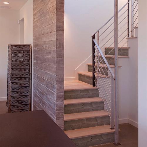 Sticker déco planche de bois pour contremarches d'escalier en bois moderne