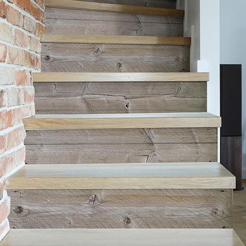 Sticker adhésif imitation planche de bois pour déco contremarches d'escalier