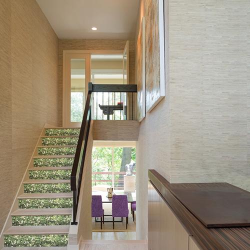 Autocollant décoration mur végétal de fleurs pour contremarches d'escalier en bois clair moderne
