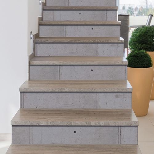 Sticker adhésif béton ciment pour déco contremarches en bois