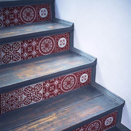 Sticker adhésif carreaux de ciment rouge pour déco contremarches escalier