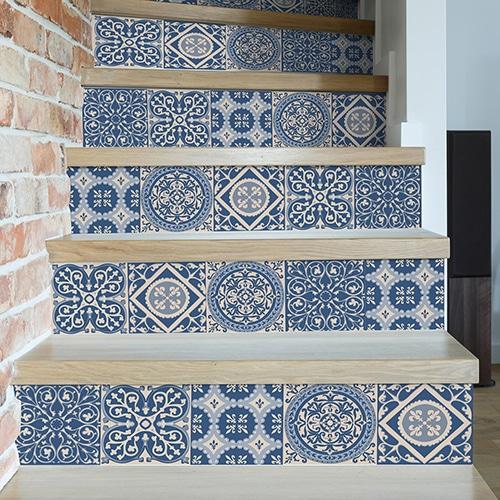 Sticker autocollant carreaux de ciment turquoise pour déco contremarches d'escalier en bois