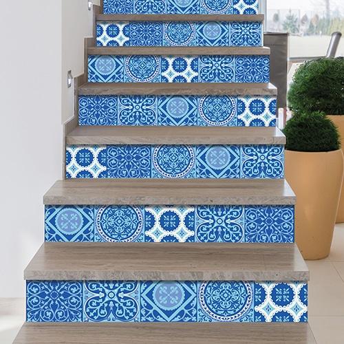 Sticker autocollant carreaux de ciment bleu pour déco contremarches d'escalier en bois