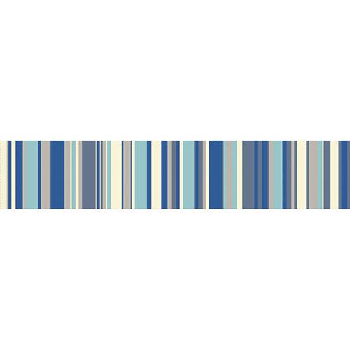 Sticker rayures bleu pour décoration escalier en bois clair mur briques et ses contremarches