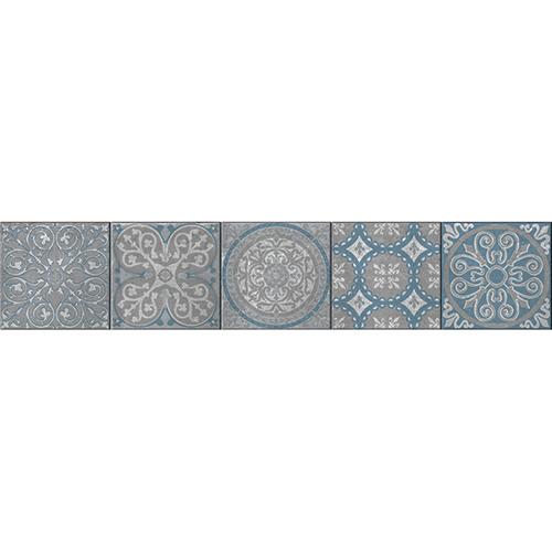 Contremarche décorée avec des stickers style Renaissance gris et bleus