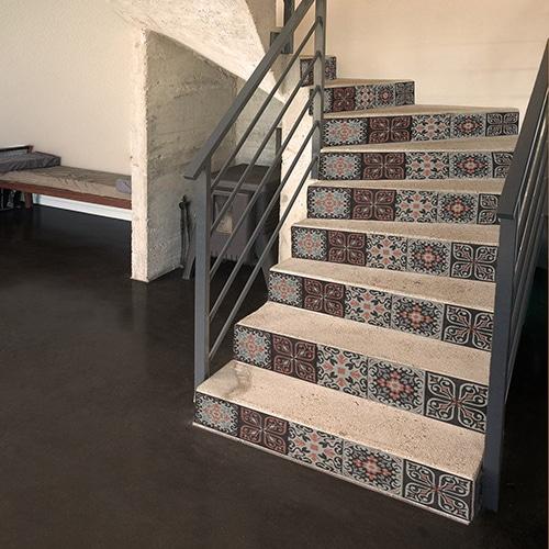 Sticker Mosaïque Renaissance rouge et noire pour vos contremarches d'escaliers