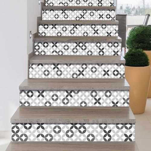 Mosaïque Grise sur blanc pour décorer vos escaliers