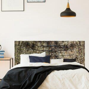 Stickers adhésifs croco dans une chambre pour tête de lit