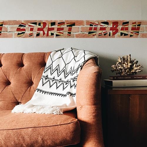Sticker autocollant frise droite urban street décoration derrière un canapé