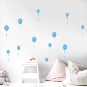 Sticker ballons bleus dans une chambre d'enfant