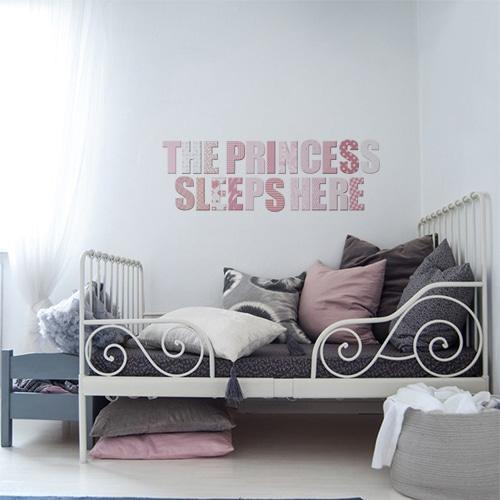 Sticker autocollant The prince sleeps en rose au dessus d'un lit