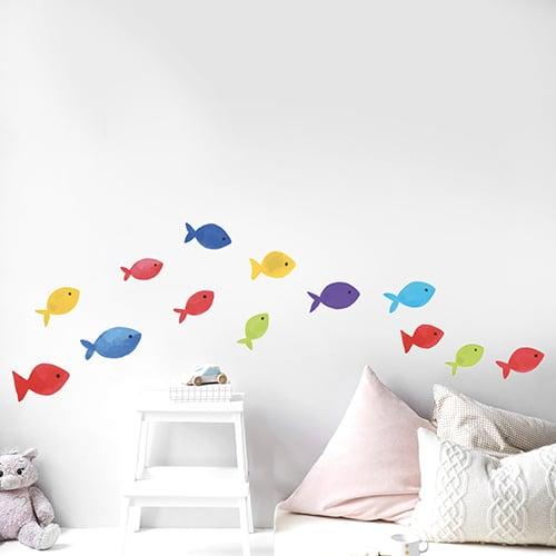 Sticker Arc en ciel avec poissons dans une chambre d'enfant