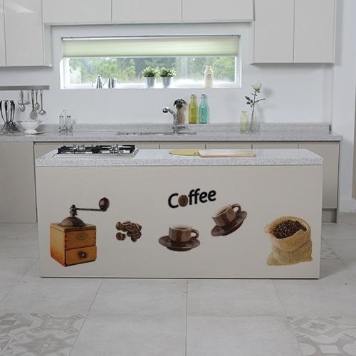Sticker planche Coffee sur un plan de travail décoration de cuisine