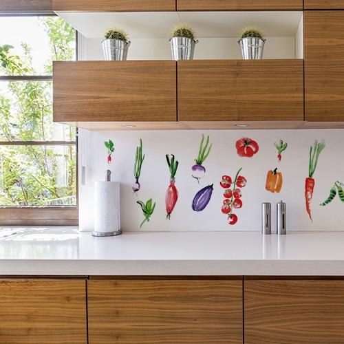 Sticker adhésif panier du maraichais au dessus d'un plan de travail déco de cuisine