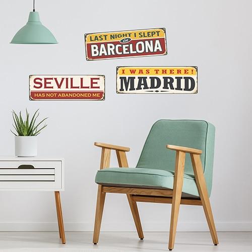 Sticker autocollant Madrid Barcelone Séville dans une chambre d'enfant