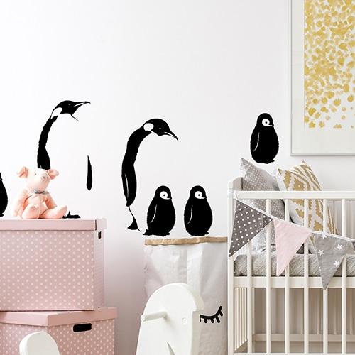 Sticker autocollant Antarctique dans une chambre de bébé avec pingouins noir et blanc