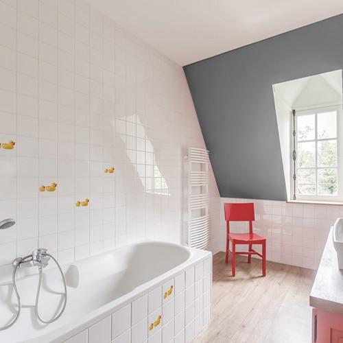 Stickers Canard Jaune et son bébé pour carrelage de salle de bain devant une baignoire