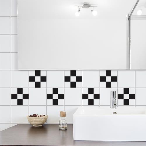 Autocollant déco damier noir et blanc pour carrelage blanc de salle de bain